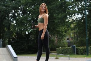 legging, training, train, fit, fitness, lifestyle, me, tight, girl, workout, pbp, bbg, kayla, sweater