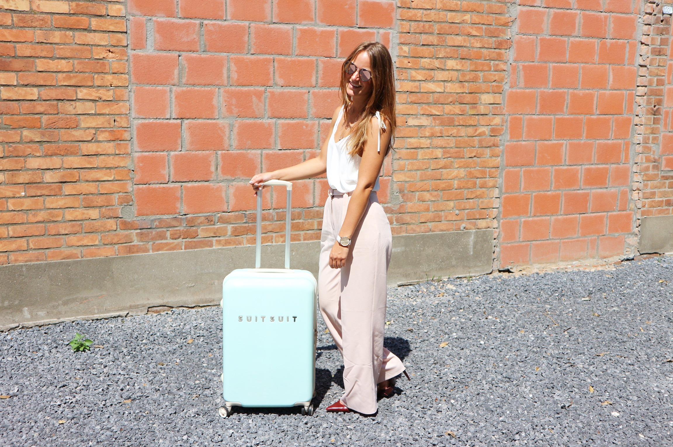 Brugge, weekendje weg, weekend, België, duifhuizen, suitsuit, koffer, vriendinnen, vakantie, plezier, lachen, zomer, ijs, wafels, eten