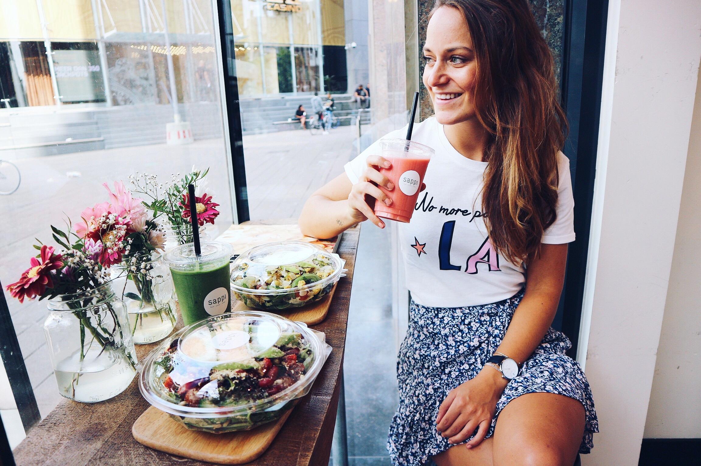 rotterdam, blog, blogger, xmariekie, sue, suefood, suefoodrotterdam, sappi, hotspot, hotspots, hotspotrotterdam, sappirotterdam, sajoer, sajoerrotterdam, food, foodie, smoothie, juice, vegan
