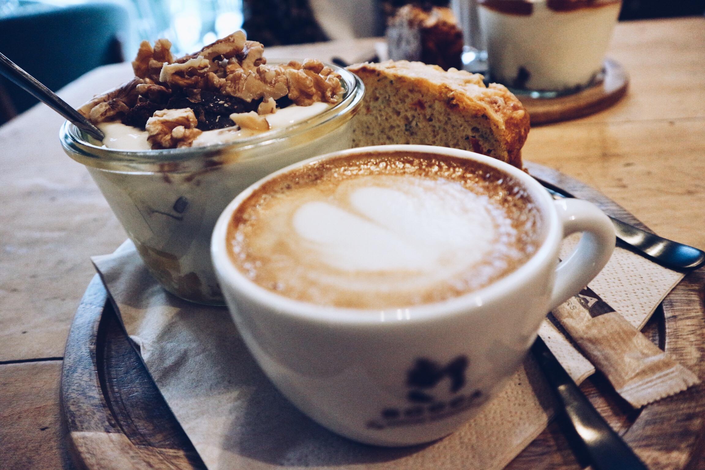 Yoghurt Barn, yoghurt, Eindhoven, eten, food, foodie, ontbijt, lunch, koffie, thee, bananenbrood, blog, blogger, eindhoven365