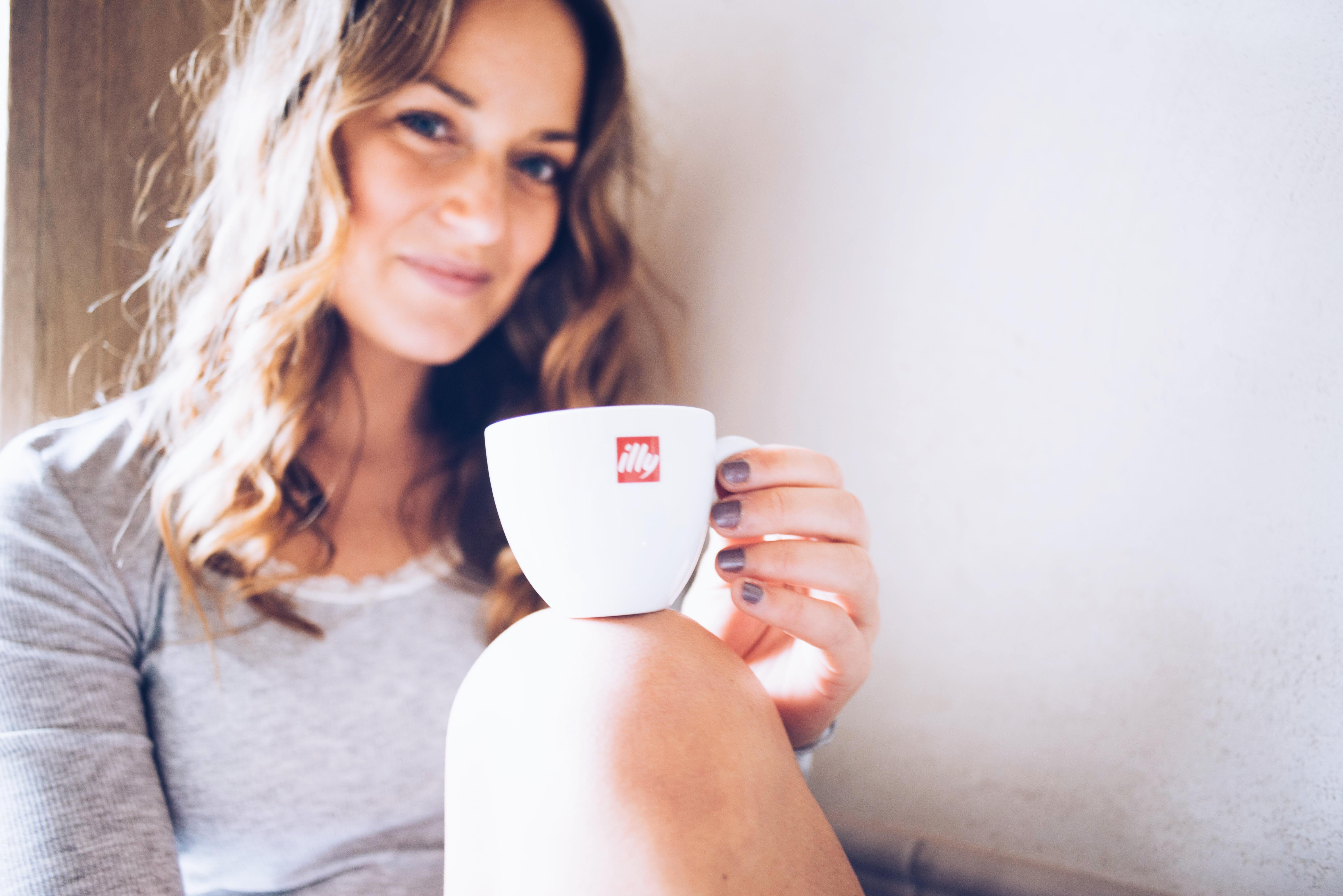 illy, illythuis, illyNL, koffie, coffee, cosy, morning, ochtend, bakkie, hunkemoller, hunkemöller, pyjama, sloffen, blogger, xmariekie