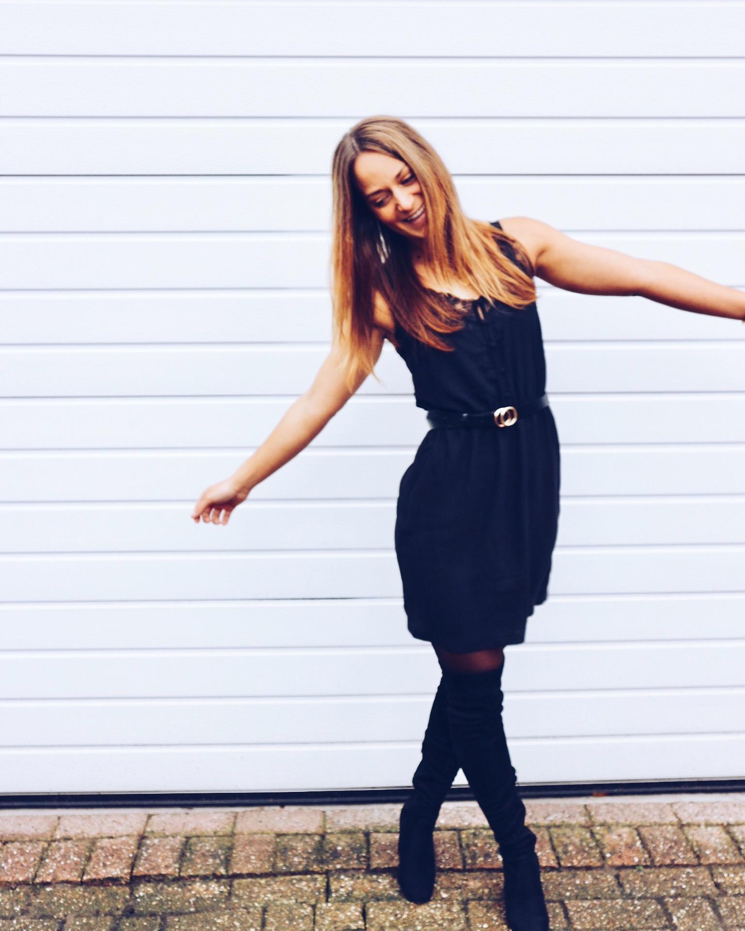 otto, LBD, little black dress, jurk, jurkje, zwart jurkje, musthave, outfit, ootd, wiw, wiwt. blogger, fashion, fashionblogger, xmariekie