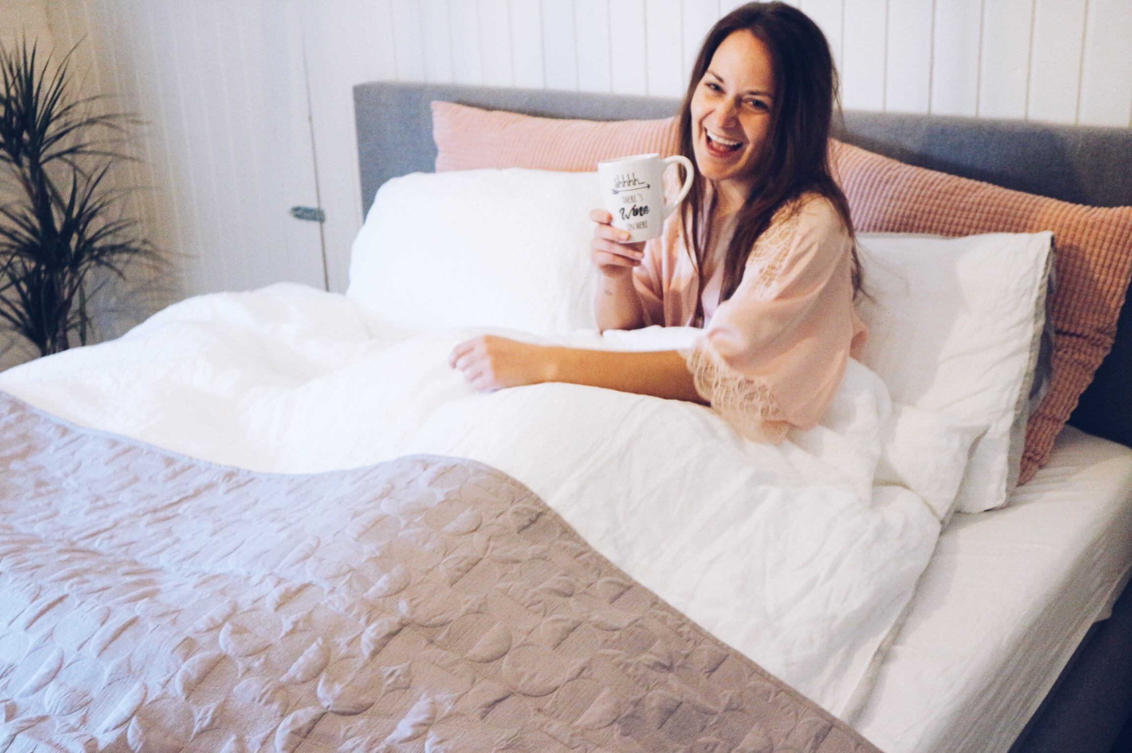 xmariekie, blog, blogger, inspiratie, lovemorningswitheve, eve, evesleep, sleep, slapen, bed, beddengoed, sprei, linnen, goedemorgen, koffie, coffee, linen, linenlove, bedroom, slaapkamer, interieur,