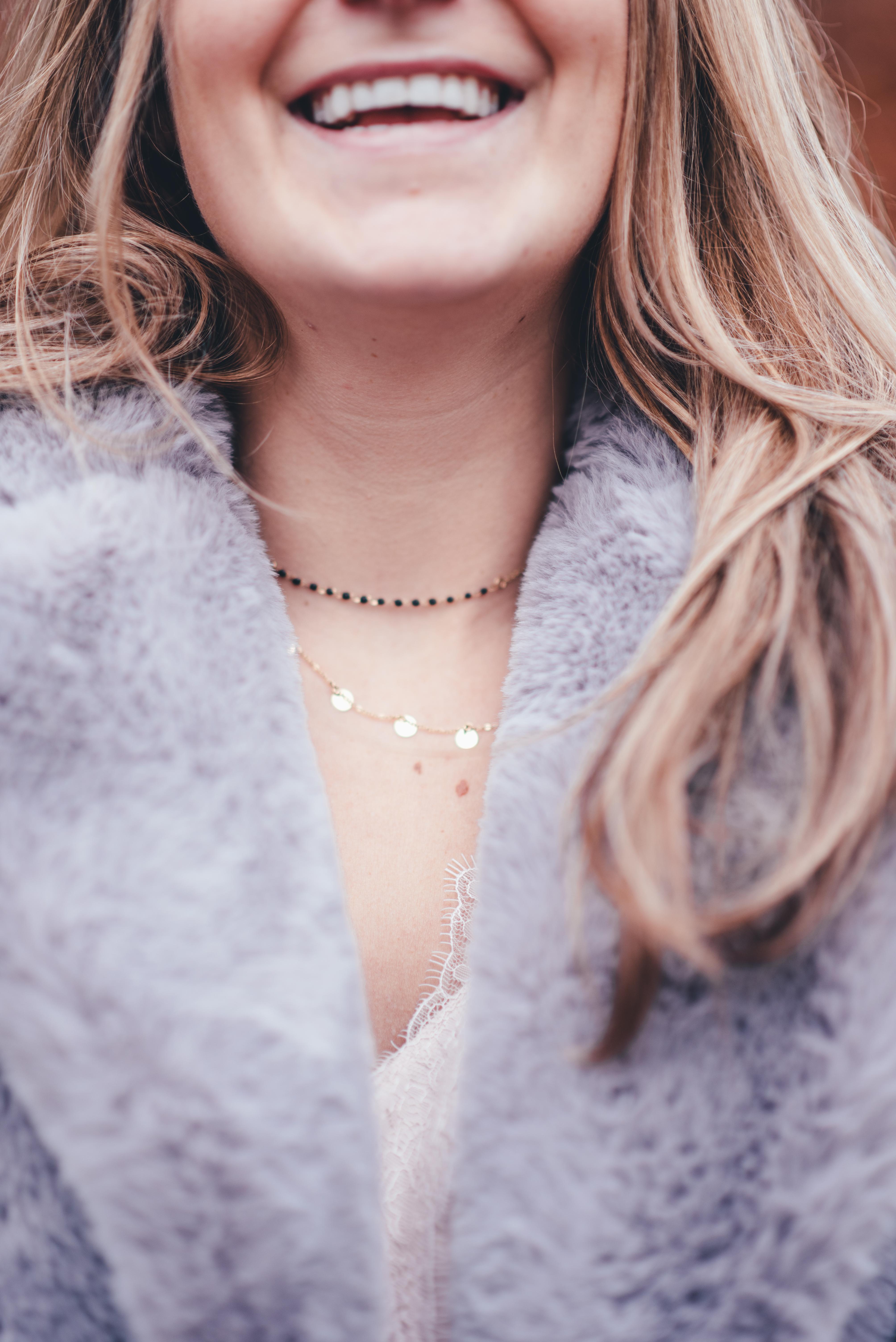 xmariekie, influencer, blog, blogger, winter, ootd, fake fur, coat, jacket, muts, bontjas, nepbont, sjaal, tasje, slang, slangenprint, zacht, ketting, jewelscouture, jewels, and couture, jewels, couture