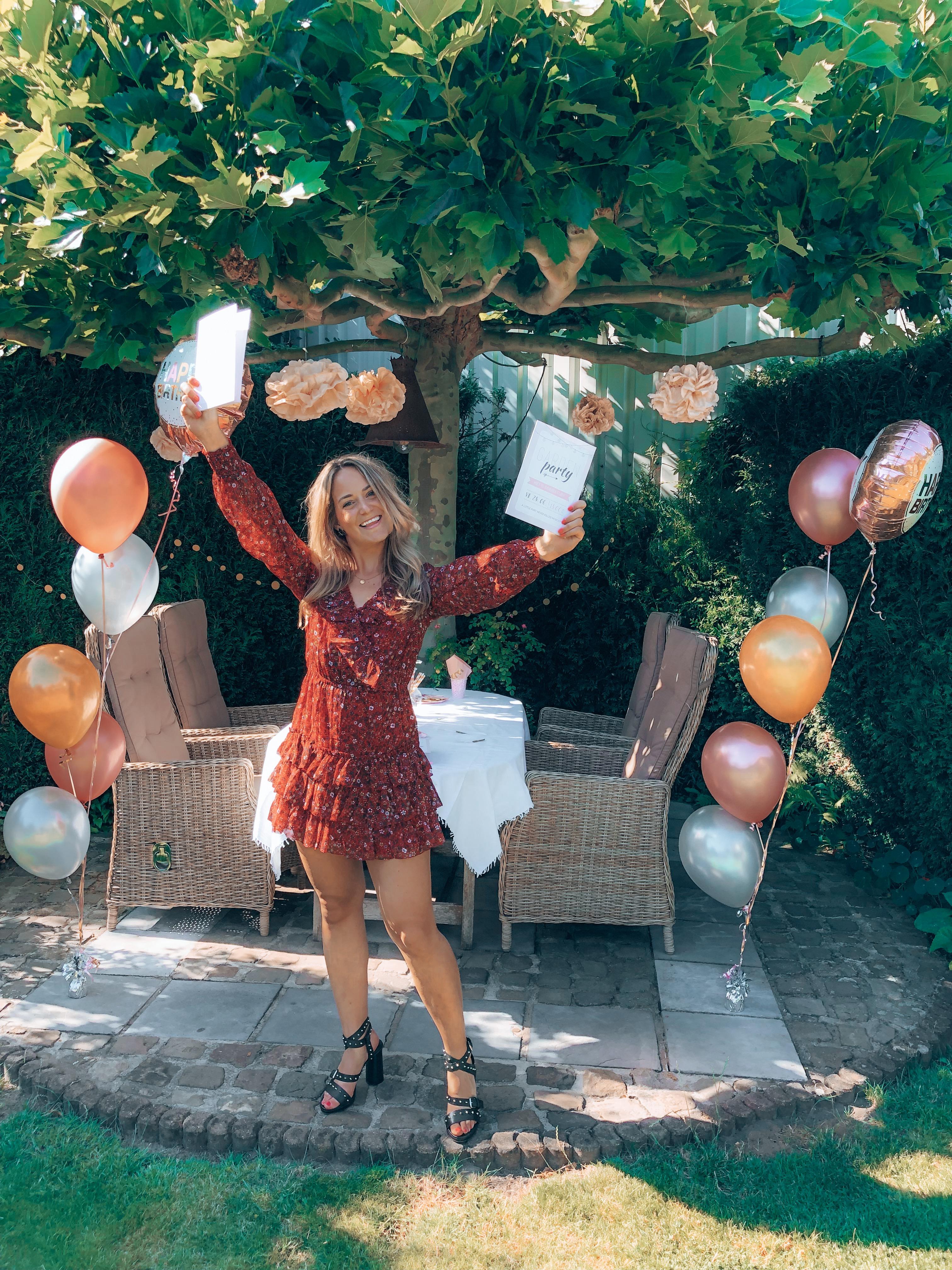 party, feestje, kaartje2go, ballonnen, versiering, uitnodiging, uitnodigingen, uitnodigingen versturen, uitnodiging maken, uitnodigingskaartjes