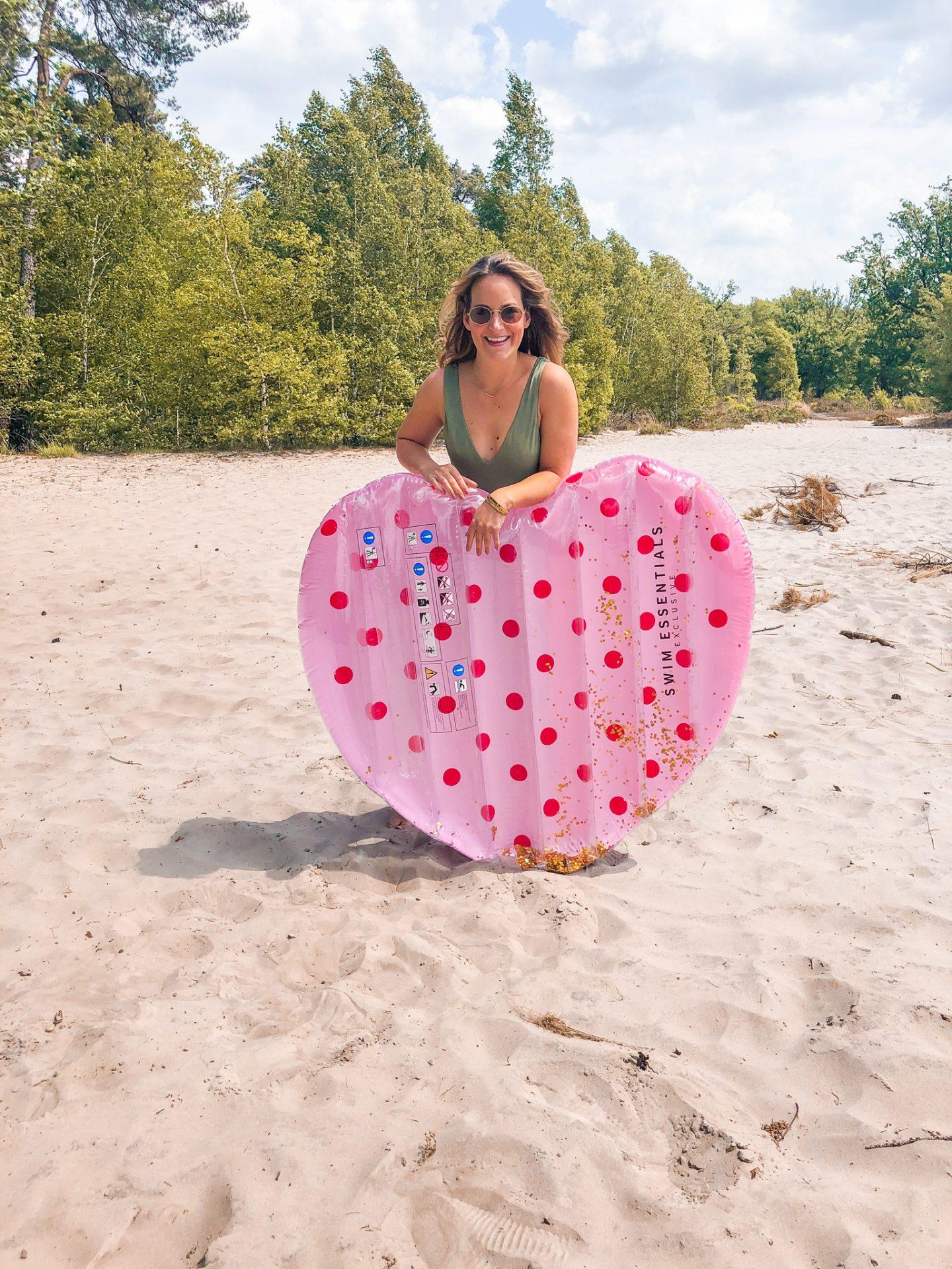 summertime, zomer, zwemband, zwembad, opblaas, opblaasartikelen, bikini, badpak, xmariekie, swim, swim essentials